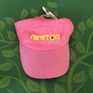 Newton Running Hat